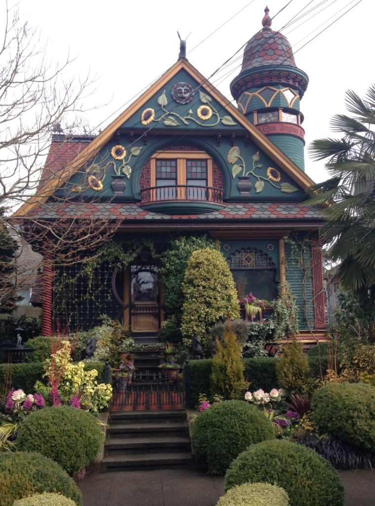 Seattle, Washington http://www.oldhousejournal.com/creating-colorful-curb-appeal/magazine/1687/