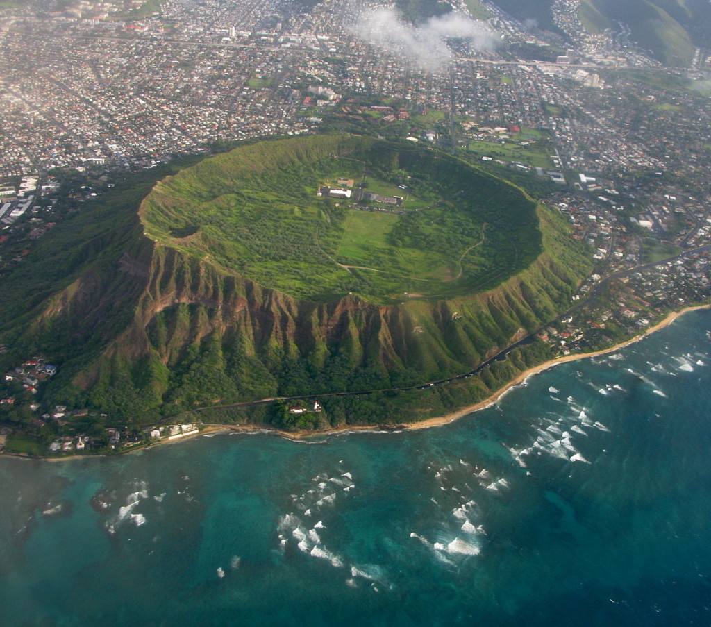 Aerial view of Diamond Head tuff cone in Oahu, Hawaii, USA. / Wikimedia