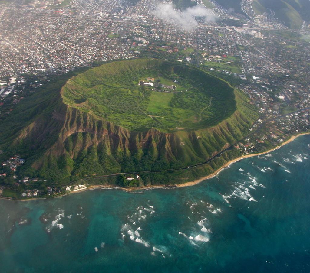 Aerial view of Diamond Head tuff cone in Oahu, Hawaii, USA. / Wikimedia