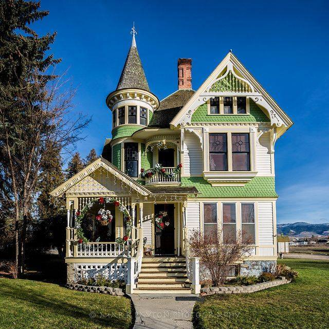 Old Victorian style home Circa 1894 in Corvallis Montana on Thanksgiving day November 2012 / Mark Payton